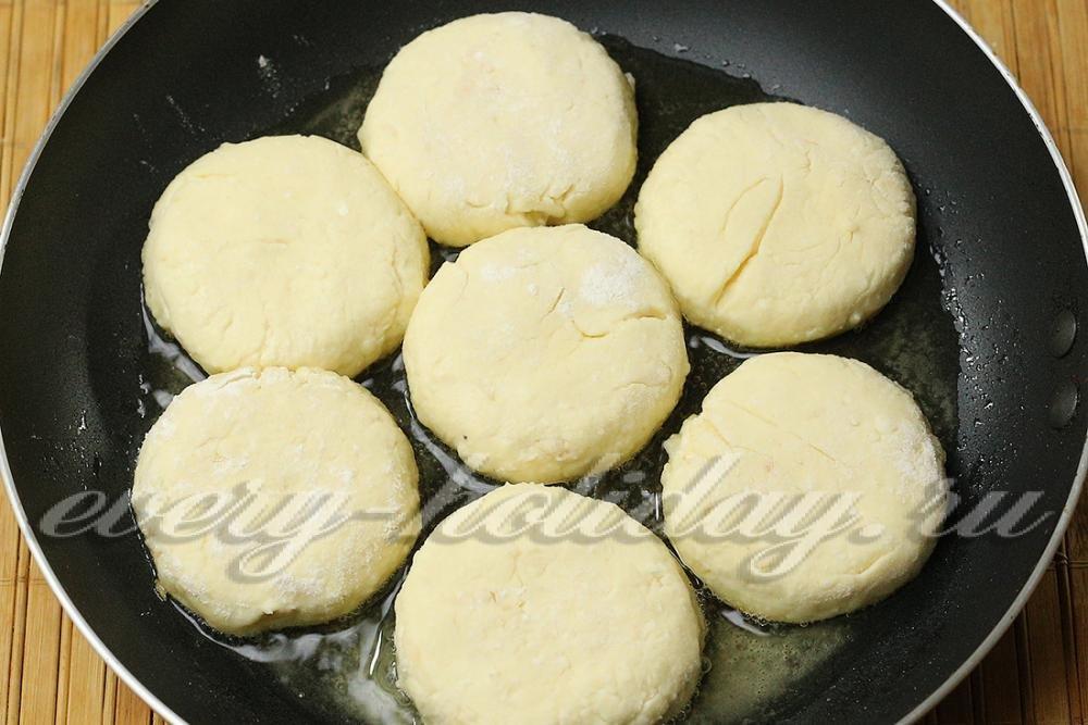 Сырники из творога с манкой пошаговый рецепт на сковороде