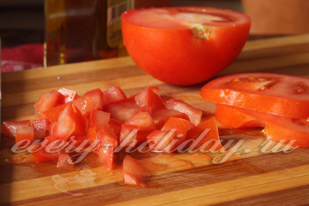 Смотреть Рецепт салата с кальмарами и крабовыми палочками видео