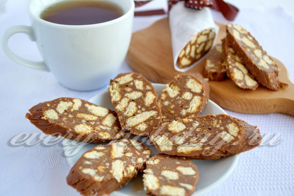 Шоколадная колбаска из печенья с сгущенкой рецепт пошагово