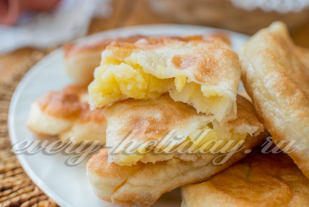 Жареные тоненькие пирожки с картошкой на сухих дрожжах рецепт 15