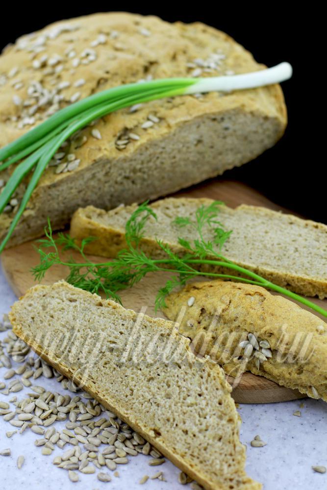 Пшенично ржаной хлеб с семечками