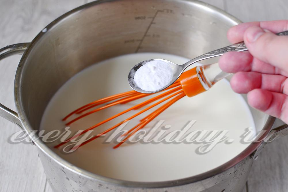 Как варить сгущенку в домашних условиях из домашнего молока