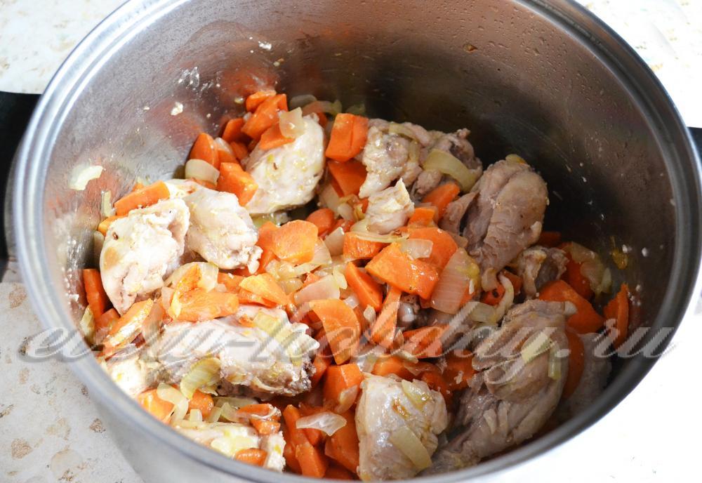 Как приготовить плов с курицей в сковороде