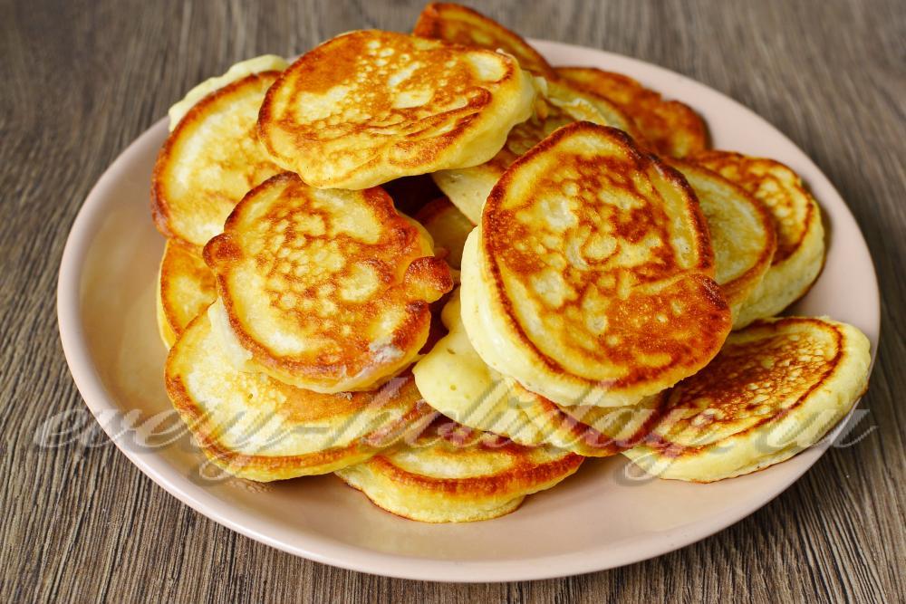 Пышные оладьи на кефире без яйца лучший рецепт пошагово