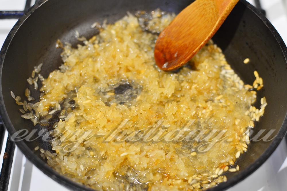 Жареный рис на сковороде рецепт с фото