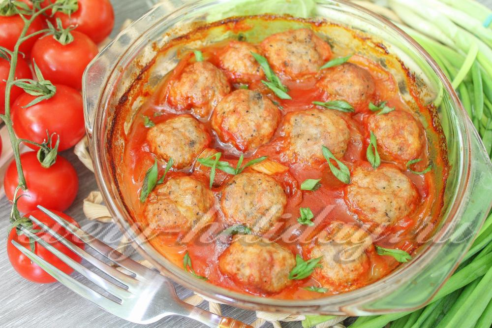 Тефтели в духовке с томатным соусом рецепт 5
