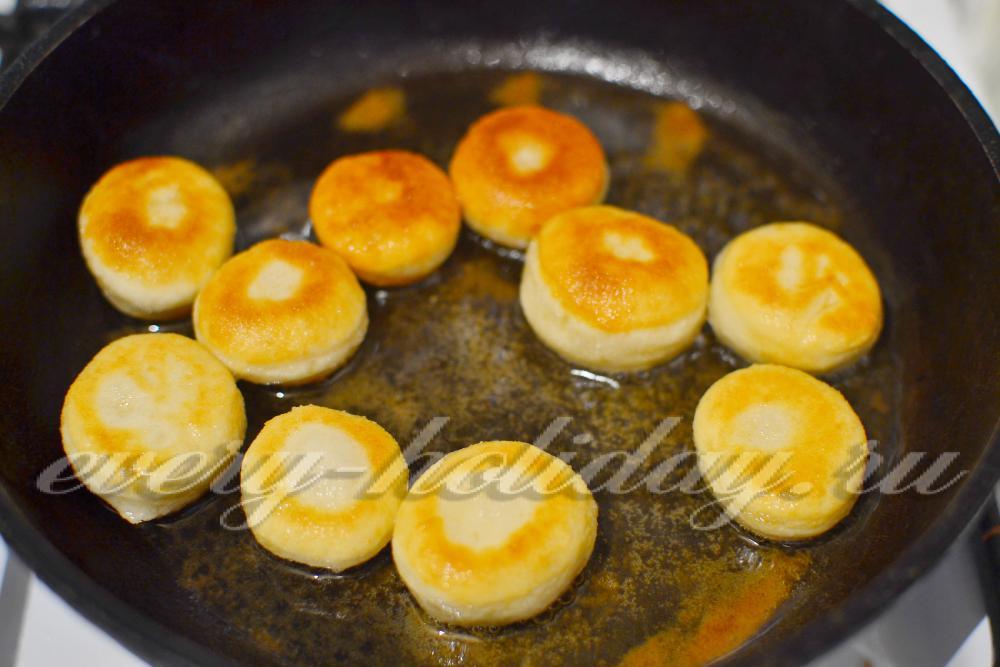 Рецепт пышек на дрожжах с фото пошагово