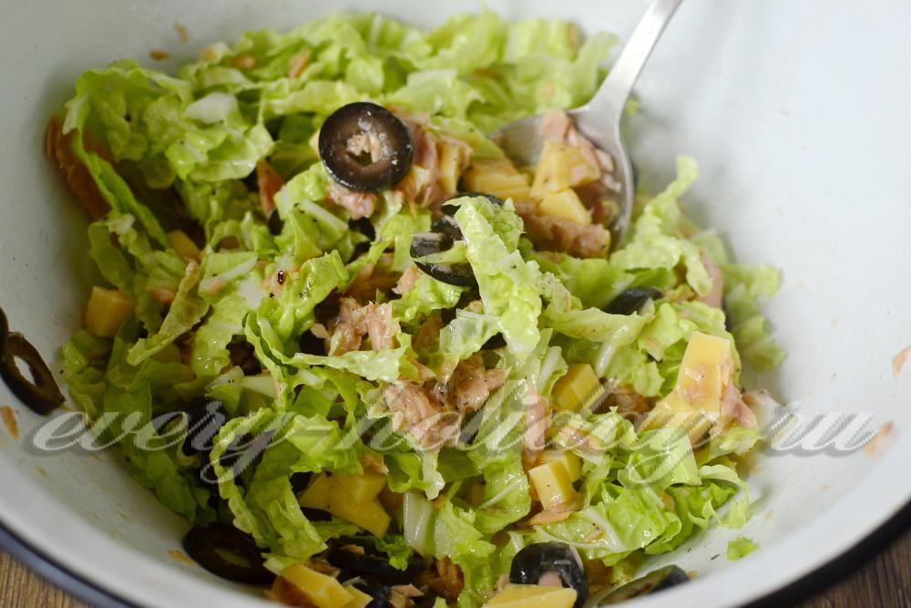 салат с капусты с тунцом