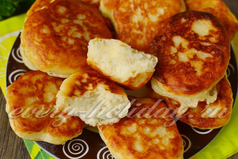 Как приготовить пышные оладьи на кислом молоке рецепт с фото пошагово
