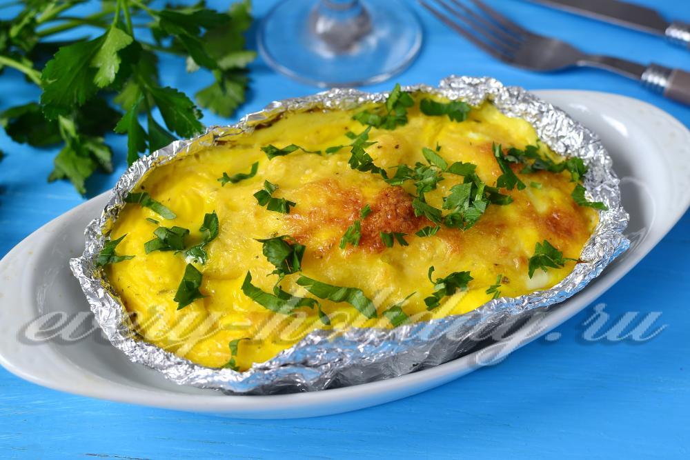 Горбуша с картошкой в духовке с помидорами и сыром рецепт 162