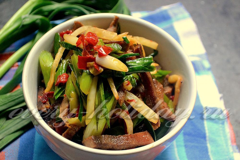 рецепт салата из языка с чесноком