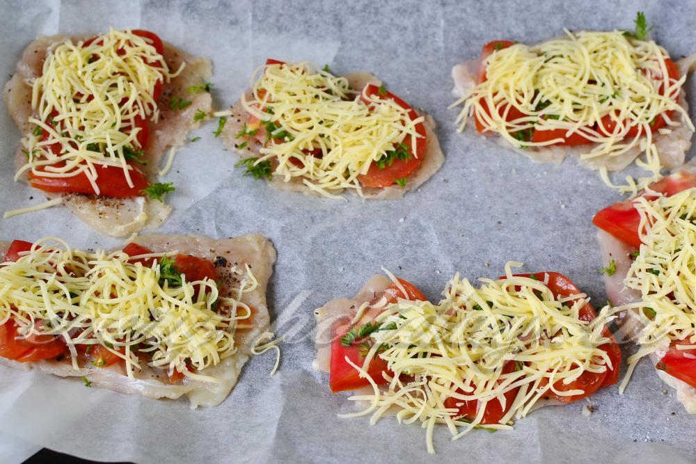рецепт грудки с помидорами и сыром в духовке