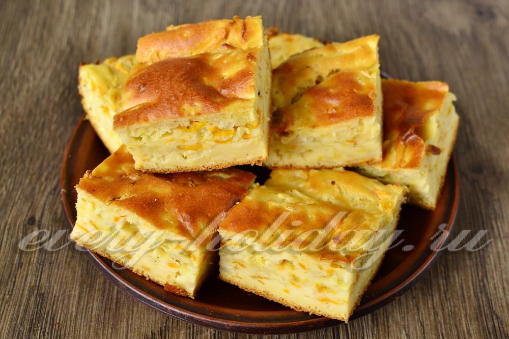 пирог с капустой и сырыми яйцами