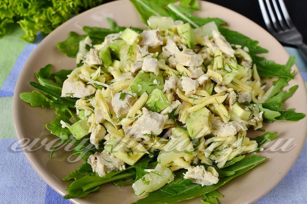 Салат с авокадо с курицей 64