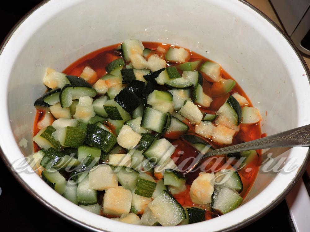 Салаты из кабачков на зиму с томатной пастой