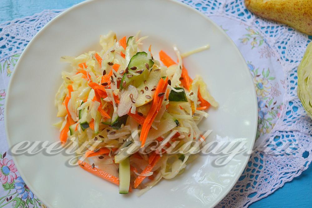 салат из капусты с огурцом и морковью рецепт