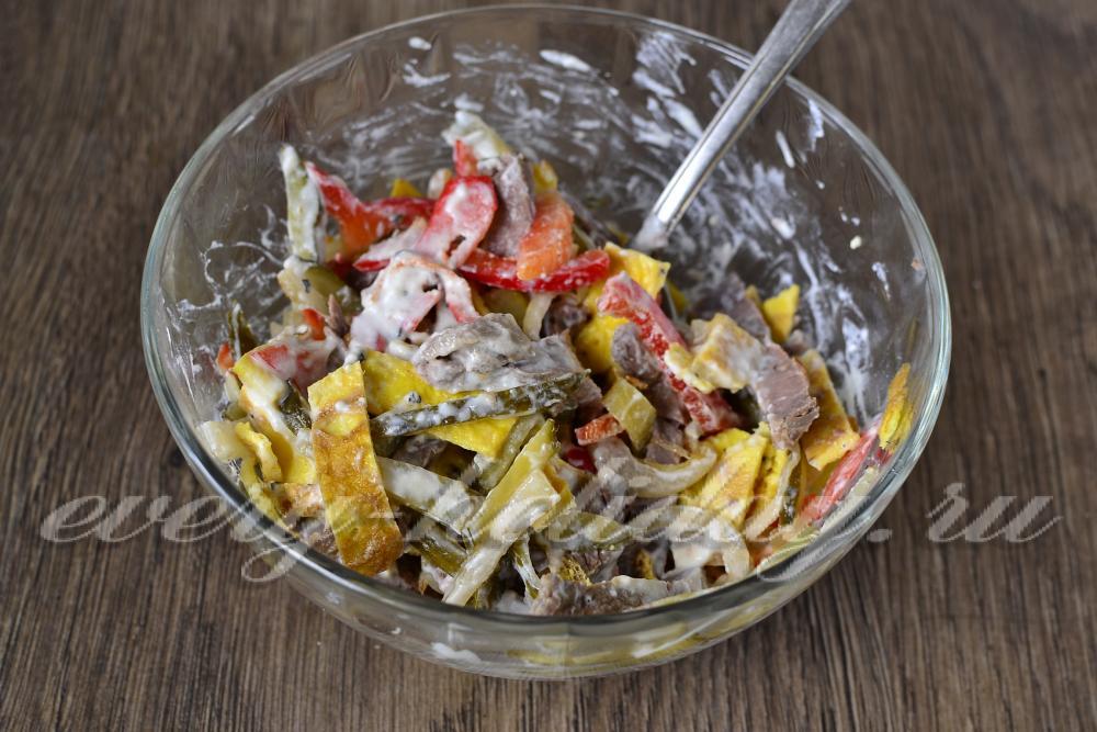салат с говядиной и маринованными огурцами рецепт и