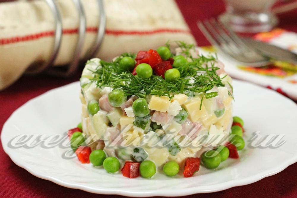 Рецепт салата фантазия с колбасой