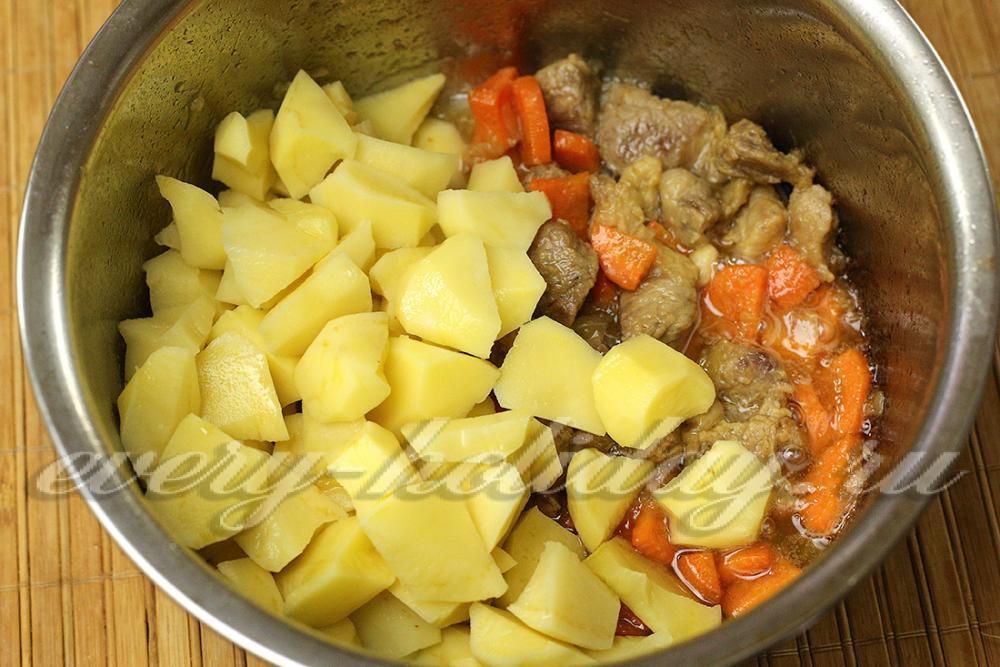 рагу с цветной капустой картошкой и мясом