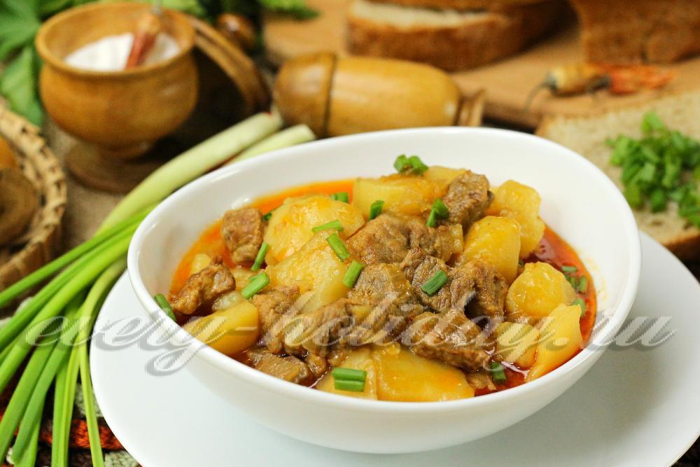 Гуляш из свинины с картошкой рецепт пошагово