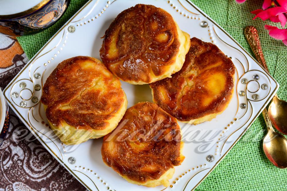 Пошаговый рецепт сырников с творогом на сковороде