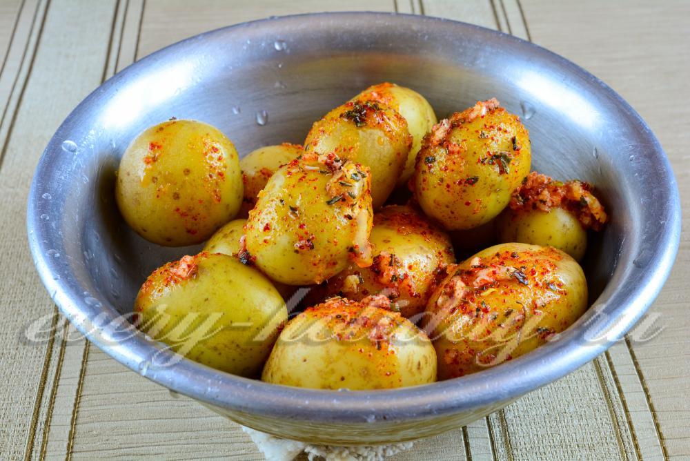 Картофель в духовке в кожуре рецепт с пошагово