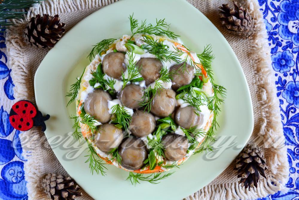 Салат грибная поляна рецепт с с корейской морковкой