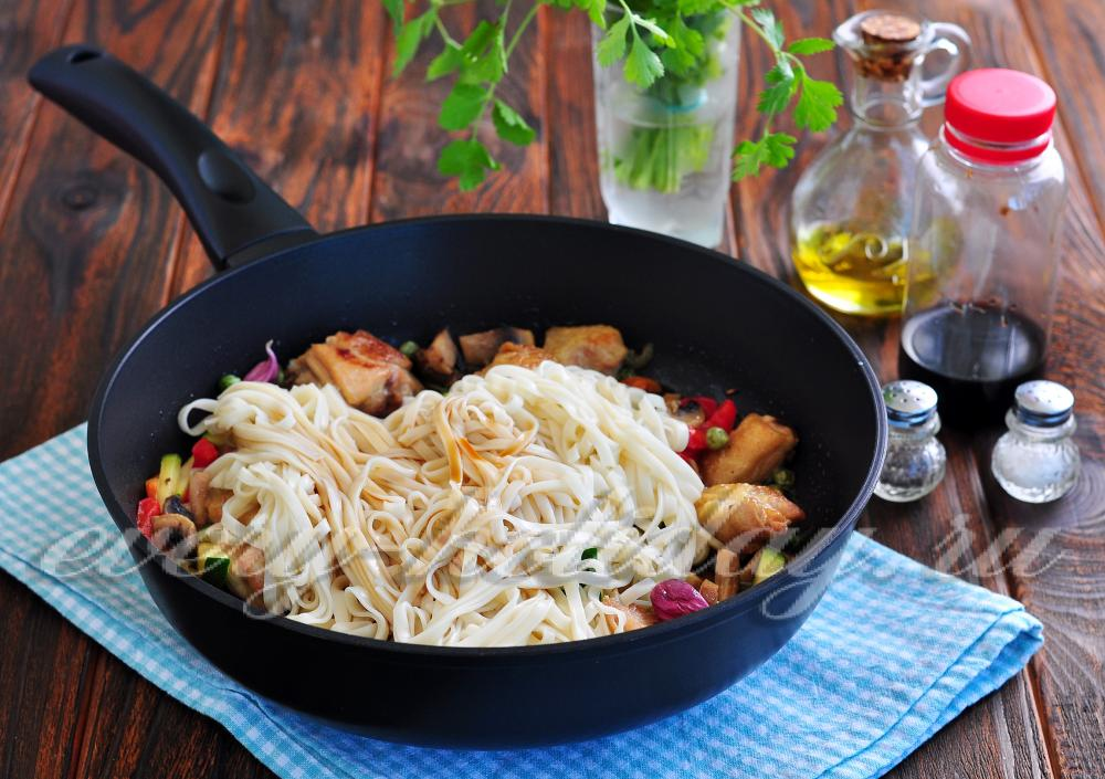 лапша удон со свининой и овощами в соусе терияки рецепт