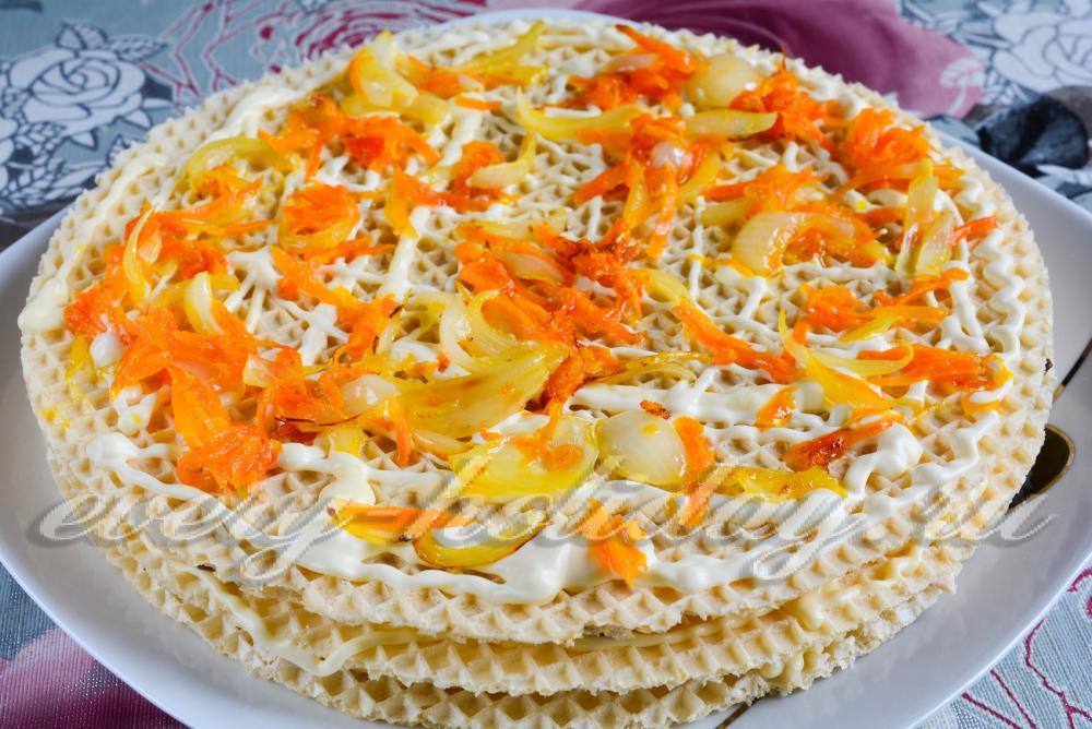 Салат с вафельными коржами рецепты с