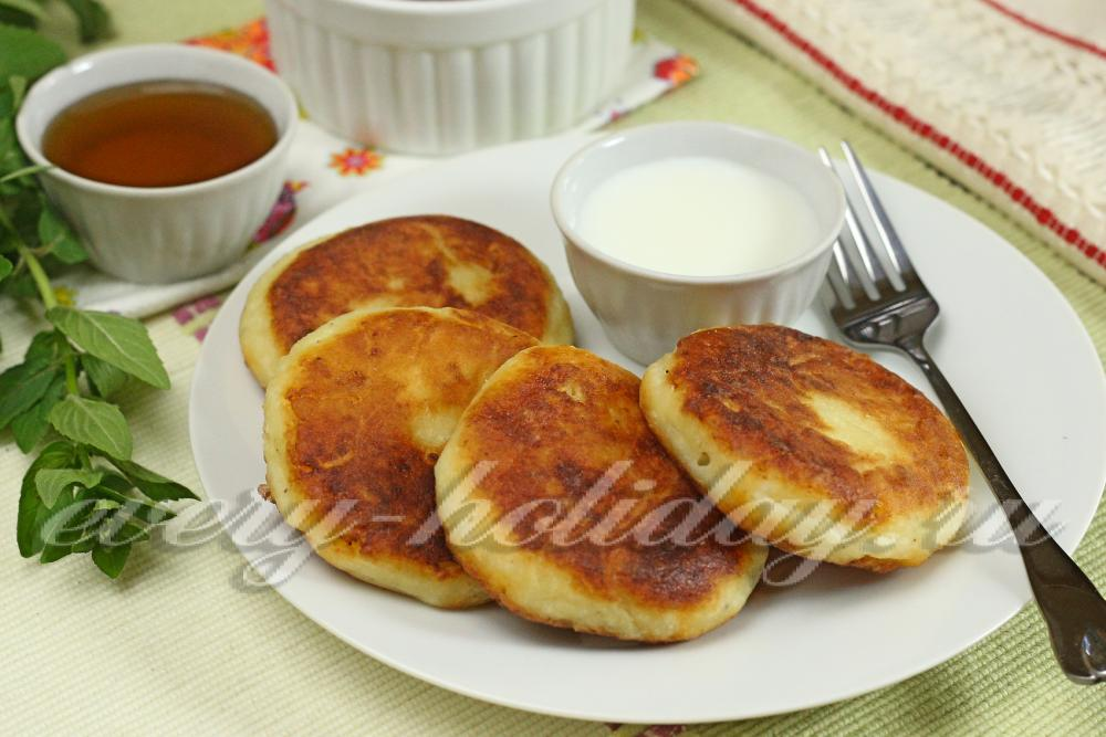 Сырники из творога с манкой рецепт с фото пошагово на сковороде