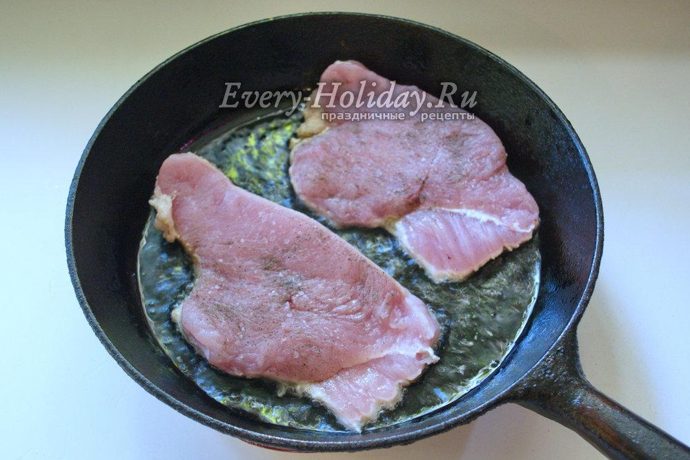 стейк из бедра индейки на сковороде рецепт с фото