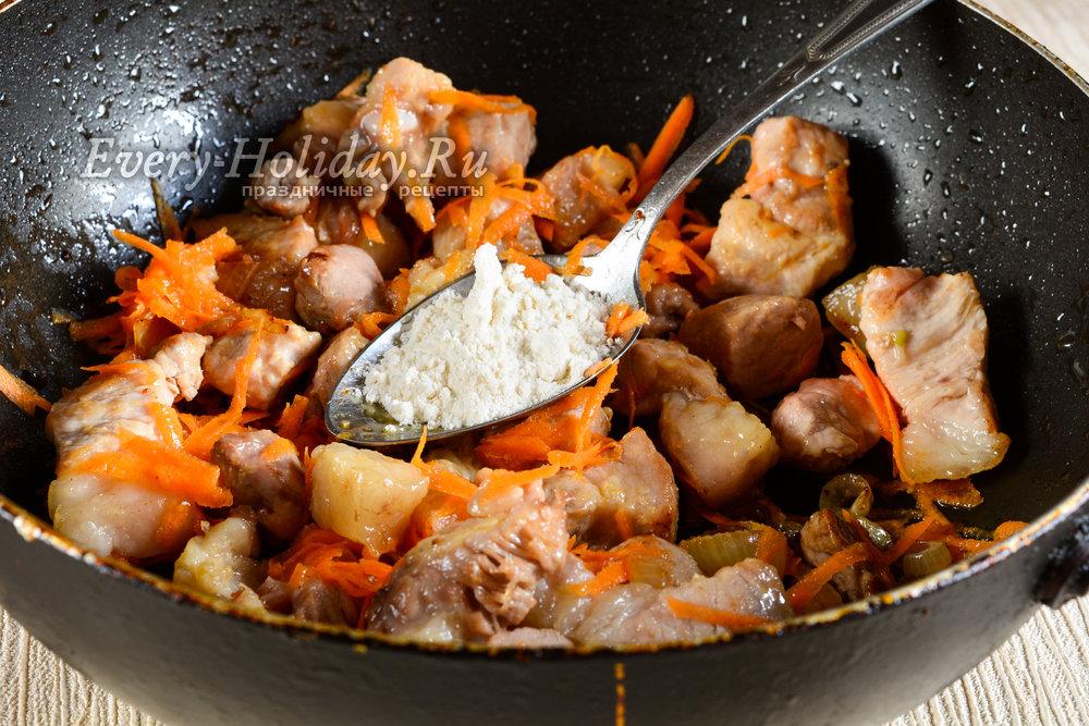 Поджарка из свинины рецепт на сковороде пошагово