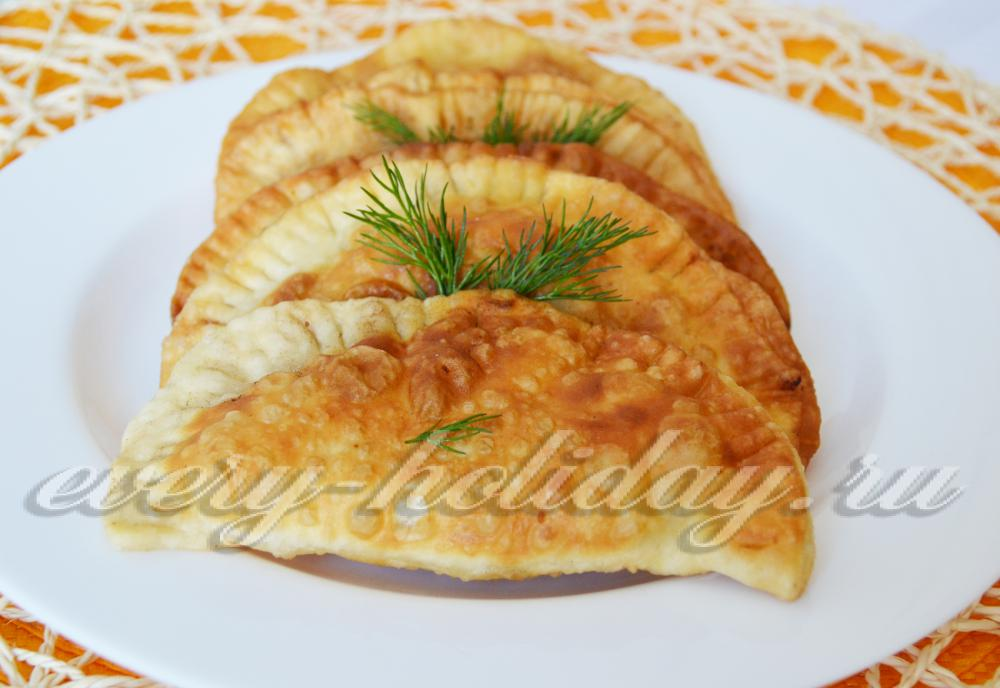 Чебуреки рецепт пошаговый хрустящие на сковороде