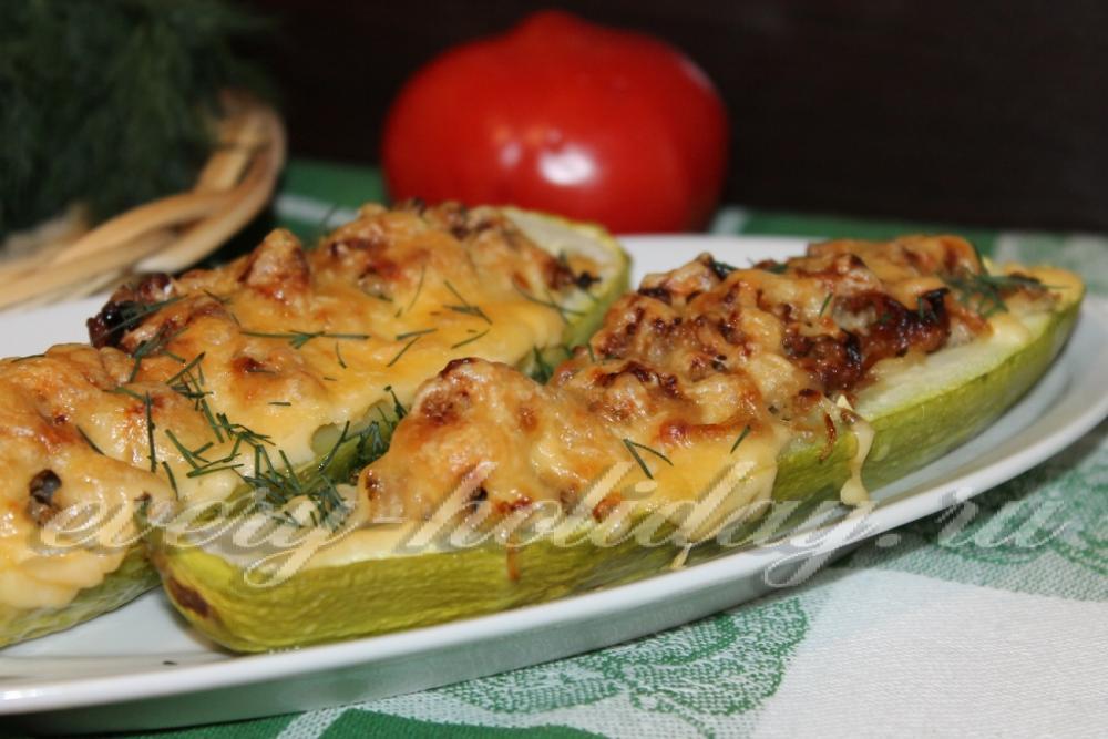 Кабачок запеченный в духовке с сыром