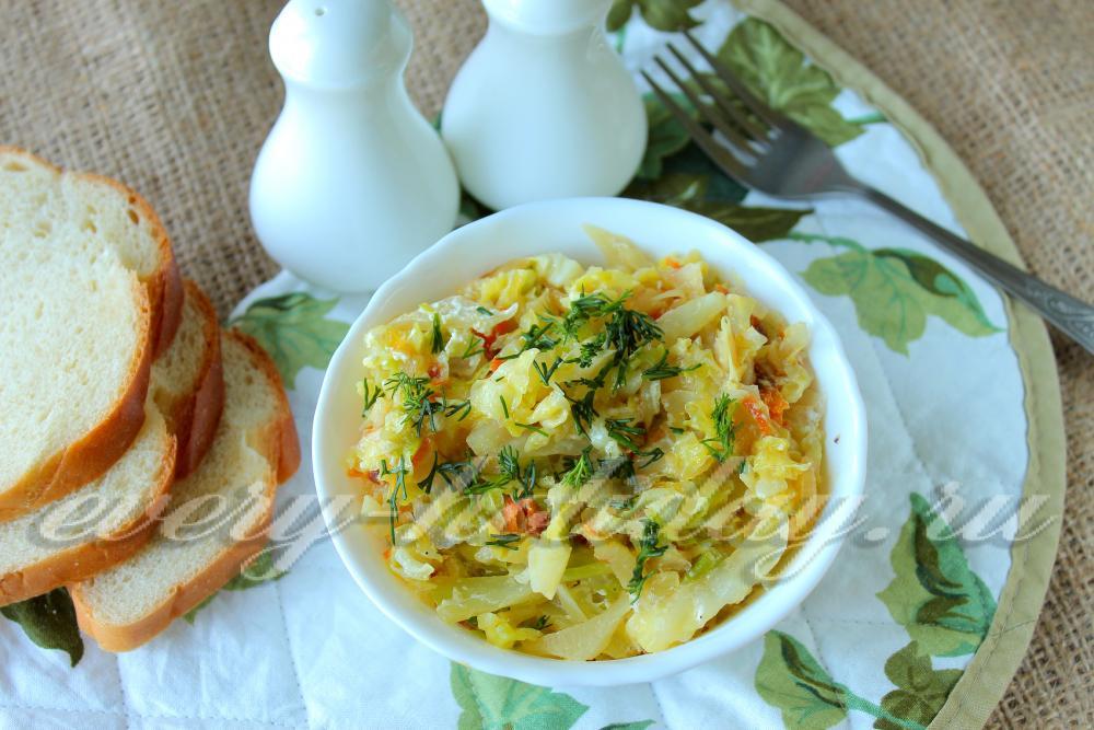 рецепт тушёной капусты со сметаной
