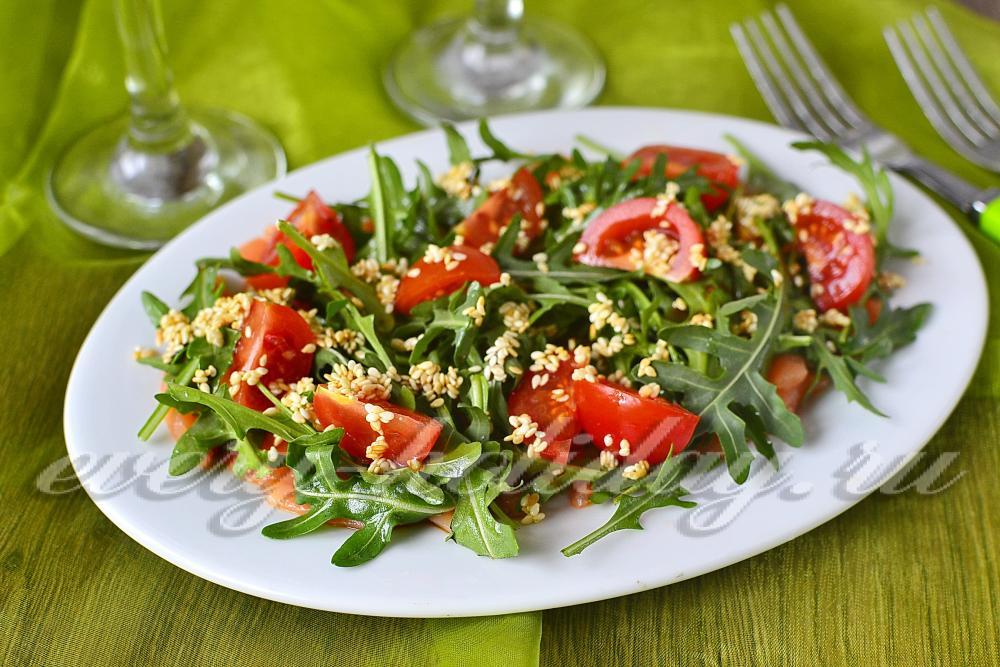 Рецепт салата с семгой с руккола
