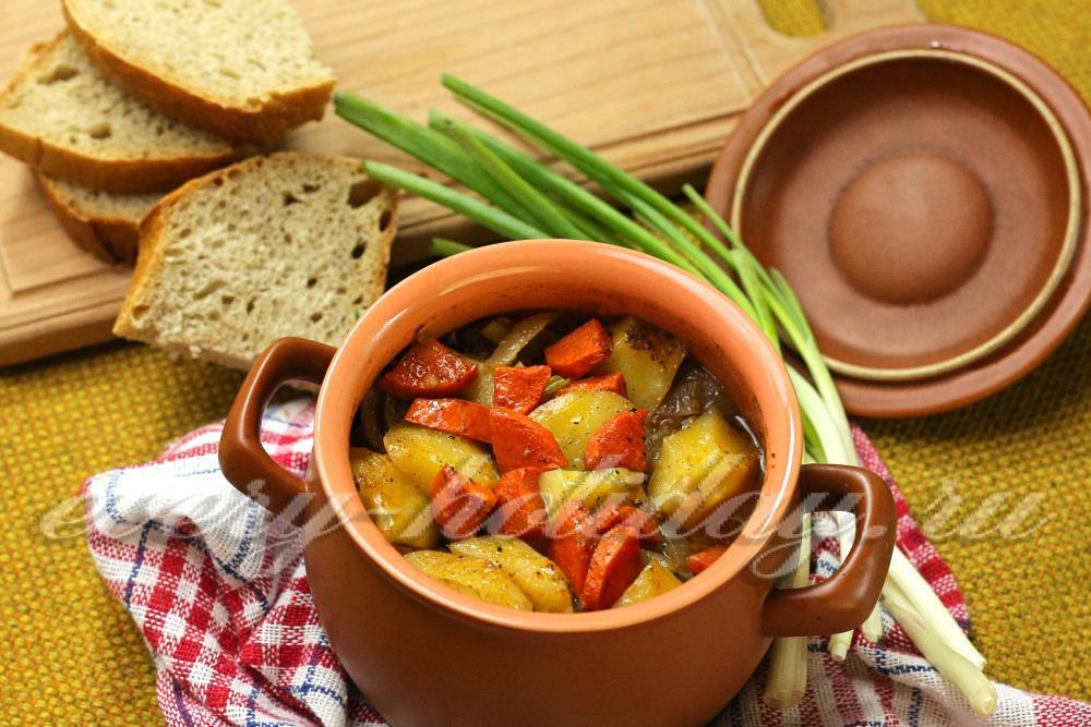 блюдо в горшочках рецепты с мясом и картошкой