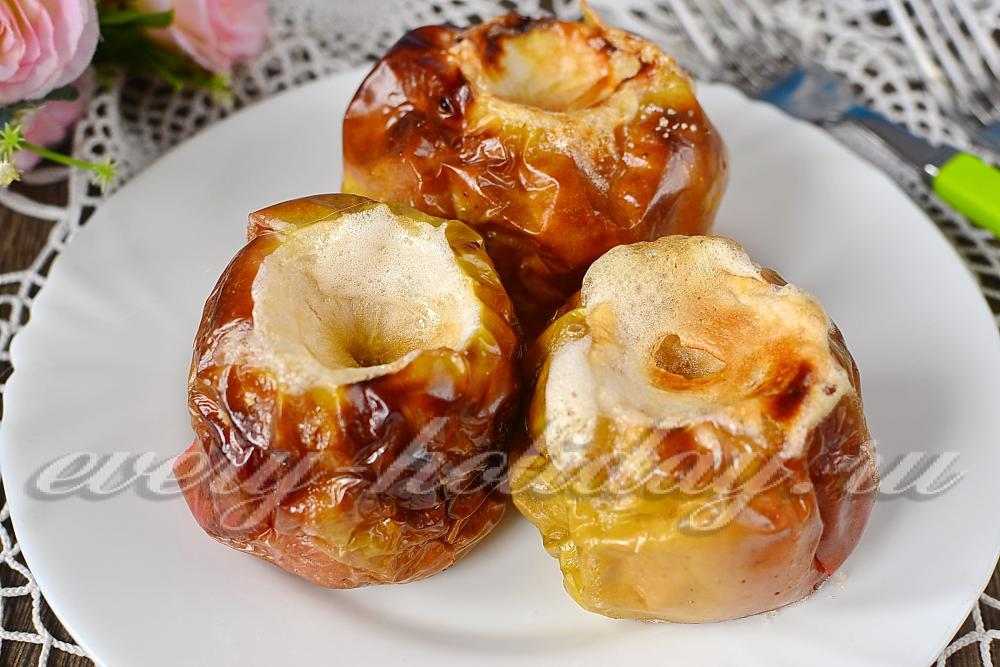 Печёные яблоки в духовке пошаговый рецепт с фото