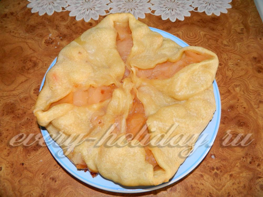 пирог из слоеного теста с яблоками рецепт с фото пошагово в духовке