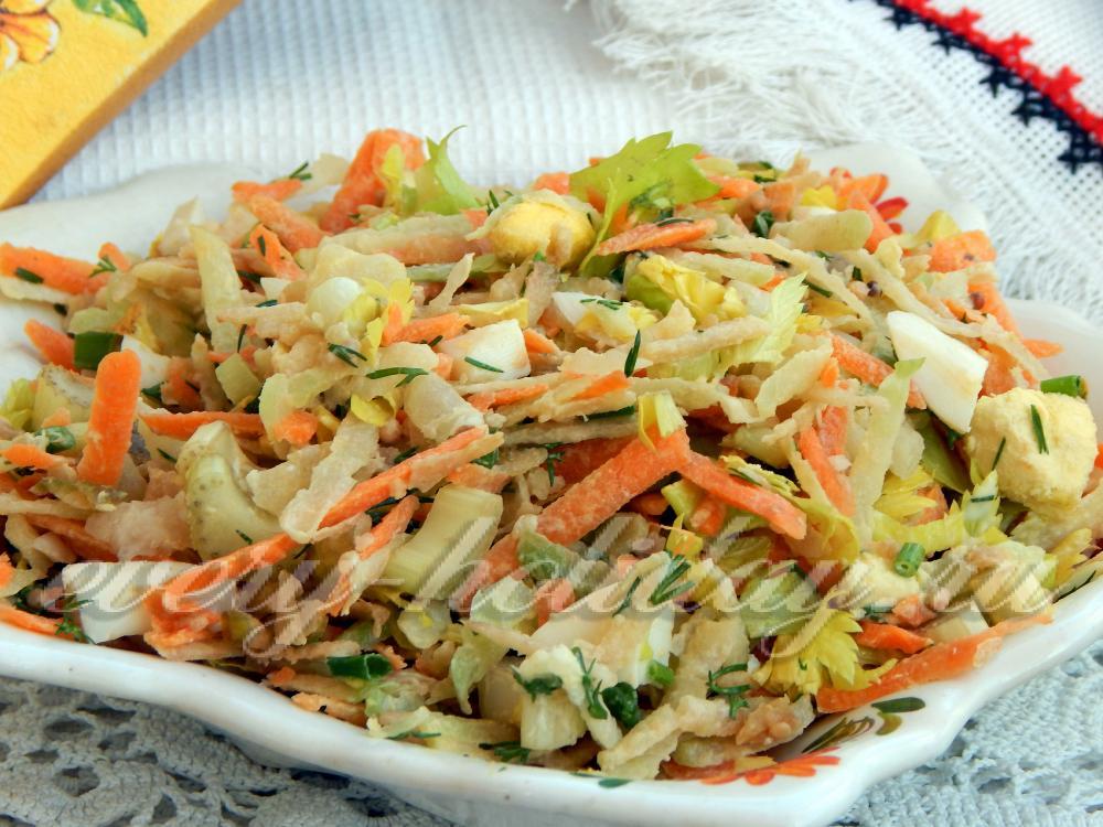 Салат из сельдерея стеблевого рецепты простые и вкусные