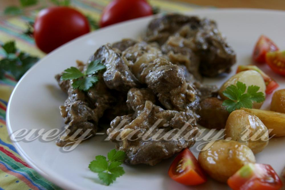 Печень куриная в сметане с луком и морковью рецепт пошагово 199