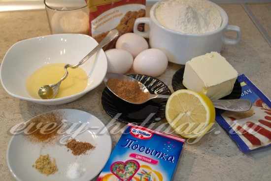Ингредиенты для пряничного домика