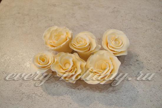 Сделайте необходимое количество роз