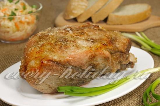 Свинина, запеченная в соли