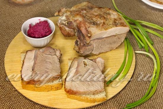 Рецепт свинины, запеченной в соли
