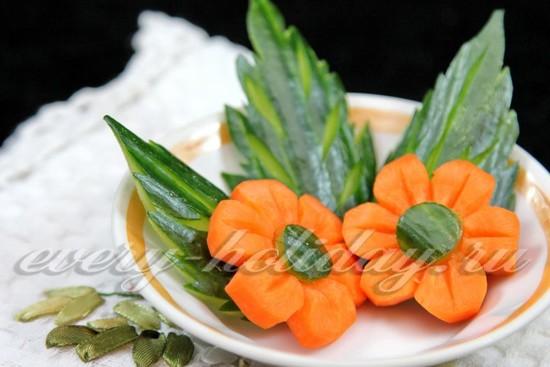 Цветок из моркови: карвинг