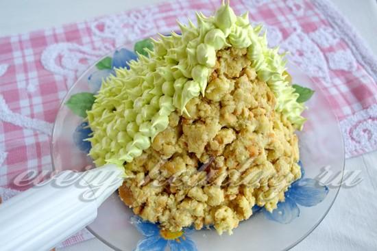 украсьте торт кремом