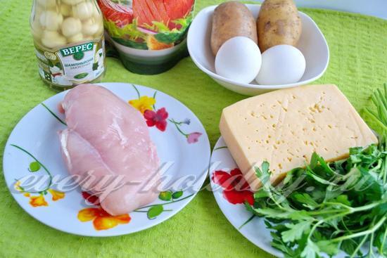 Салат amp;amp;Грибная полянаamp;amp; с курицей и шампиньонами: рецепт с фото