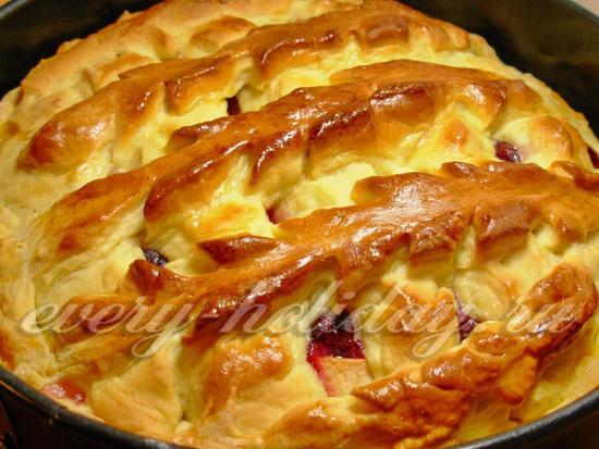 рецепт пирога с яблоками и вишней