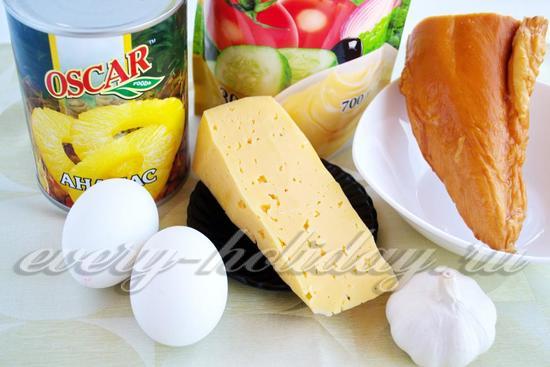 Ингредиенты из курицы и ананаса